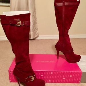SHOEDAZZLE SIZE 11 WOMENS KNEE HIGH BURGUNDY BOOTS